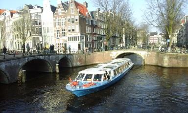 toeristenboot-amsterdam